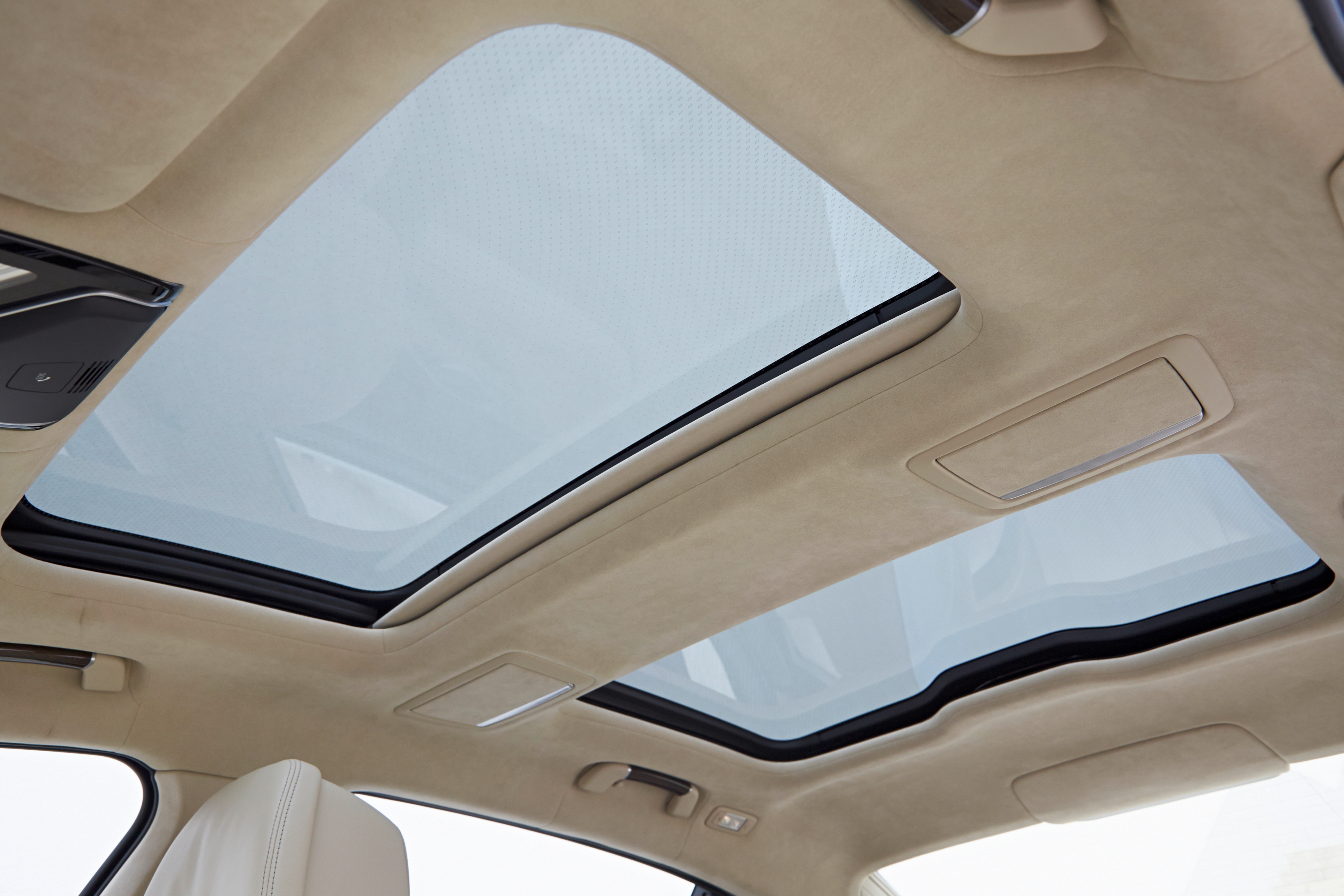 gallery bmw 7 series sky lounge panoramic roof image 436558. Black Bedroom Furniture Sets. Home Design Ideas
