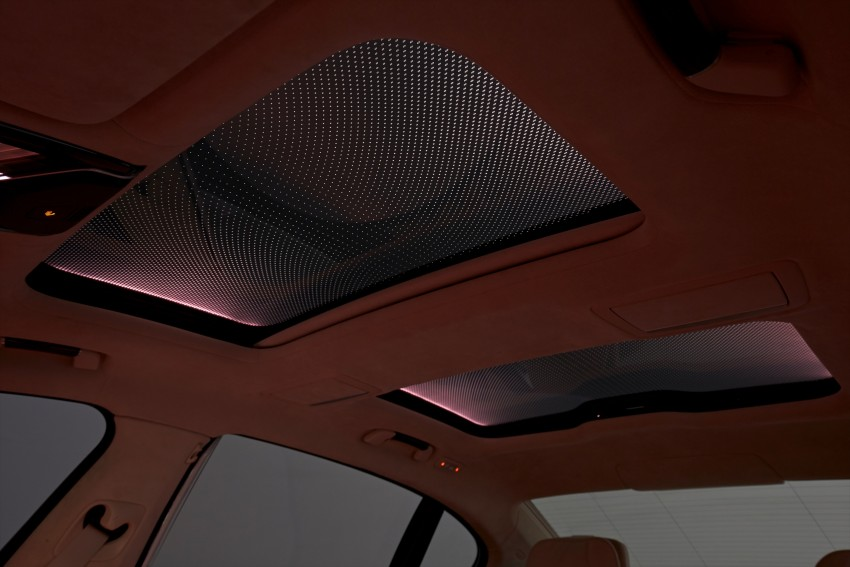 GALLERY: BMW 7 Series Sky Lounge panoramic roof Image #436561
