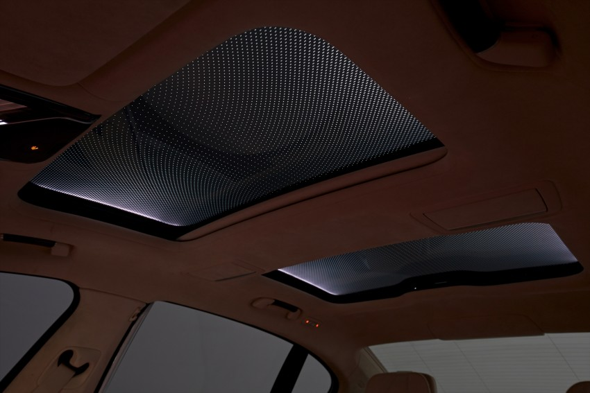 GALLERY: BMW 7 Series Sky Lounge panoramic roof Image #436562