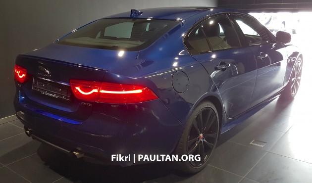 2016-jaguar-xe-spyshots-malaysia- 005