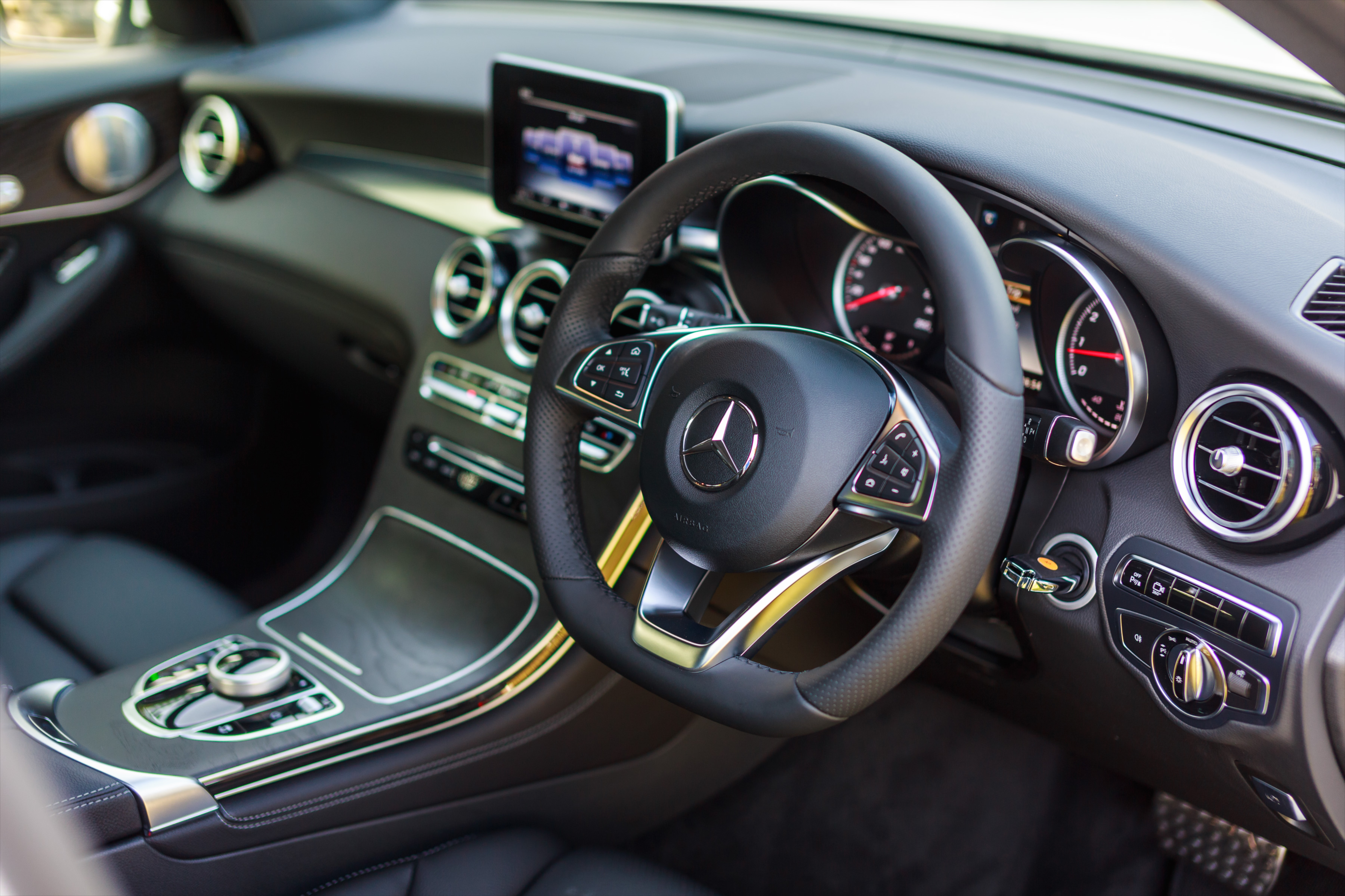 Mercedes Matic >> Mercedes-Benz GLC 250 debuts in Malaysia – RM329k Paul Tan - Image 428502