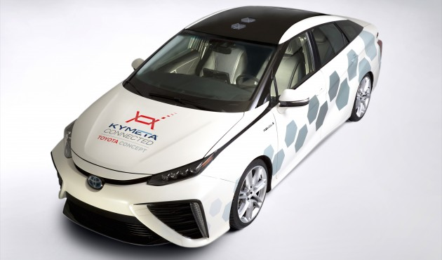 2016-toyota-mirai-satellite-communications- 001