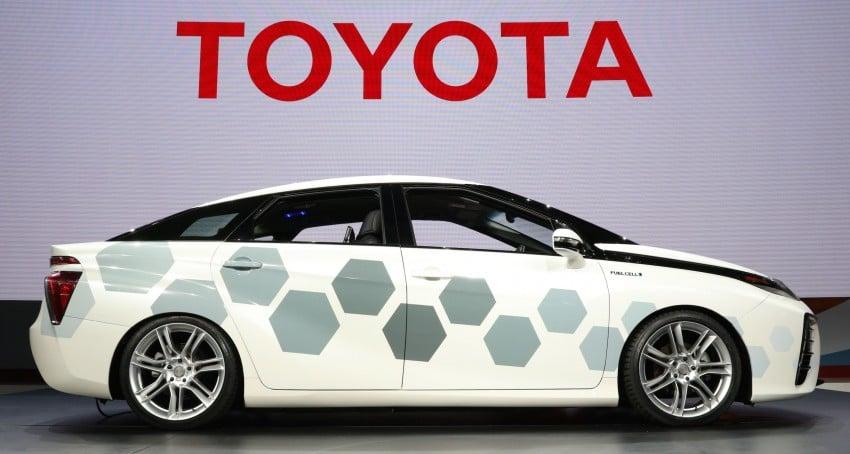 Toyota Mirai with satellite tech revealed at Detroit Image #428067