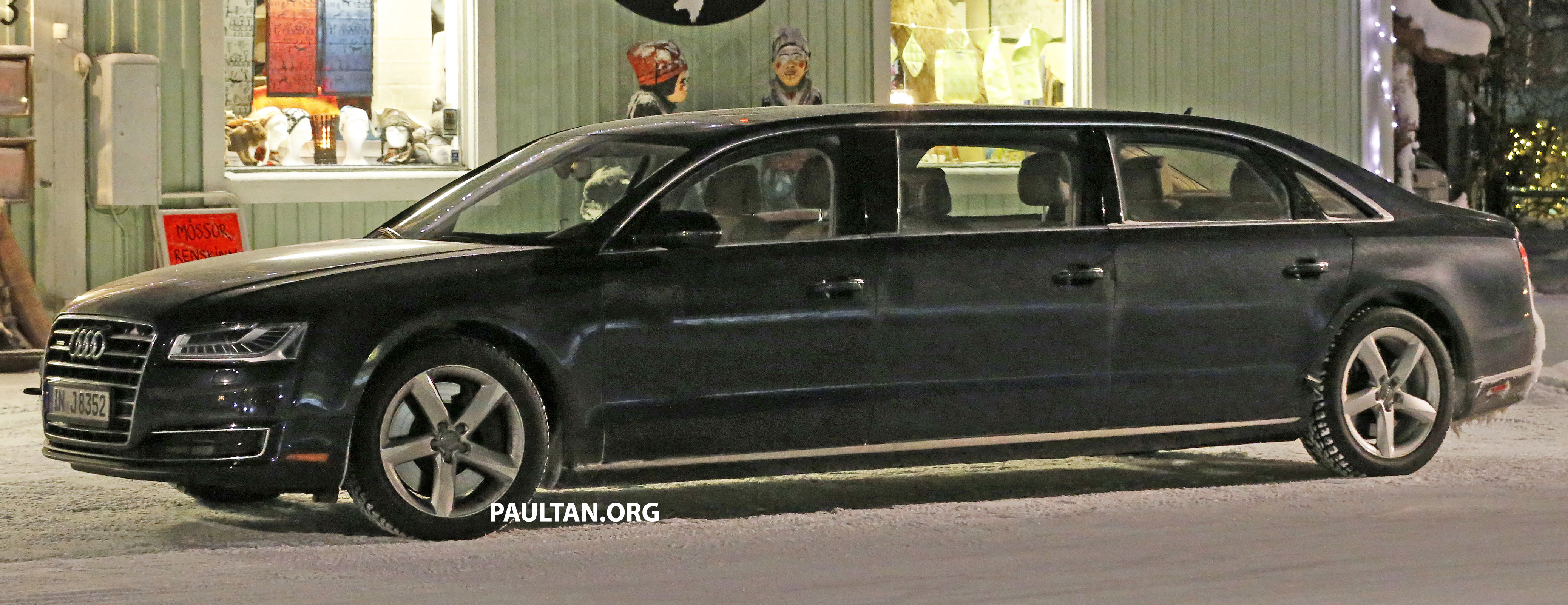 audi a8 stretched limousine with six doors sighted image 434953. Black Bedroom Furniture Sets. Home Design Ideas