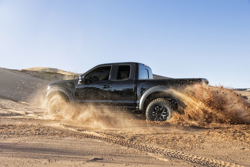2017 Ford F-150 Raptor SuperCrew unveiled in Detroit Image #426912