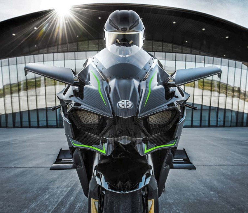 Forcing it in – super and turbocharged motorcycles Image #424572