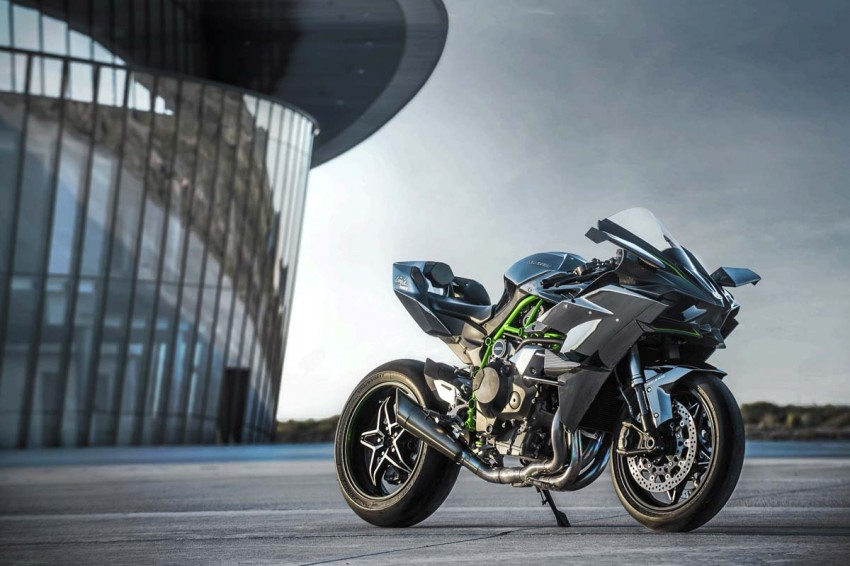 Forcing it in – super and turbocharged motorcycles Image #424570