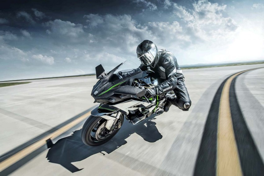 Forcing it in – super and turbocharged motorcycles Image #424571