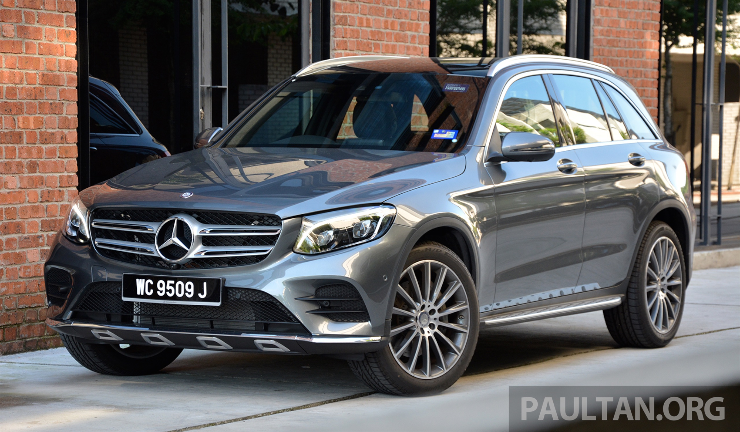 Driven mercedes benz glc250 star utility vehicle paul for Mercedes benz glc 250 4matic