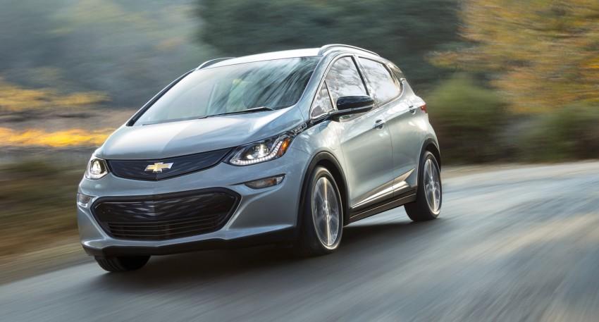 2017 Chevrolet Bolt EV debuts at CES – 320 km range Image #425743
