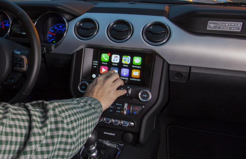 ford sync adds apple carplay android auto 4g lte image 424284. Black Bedroom Furniture Sets. Home Design Ideas