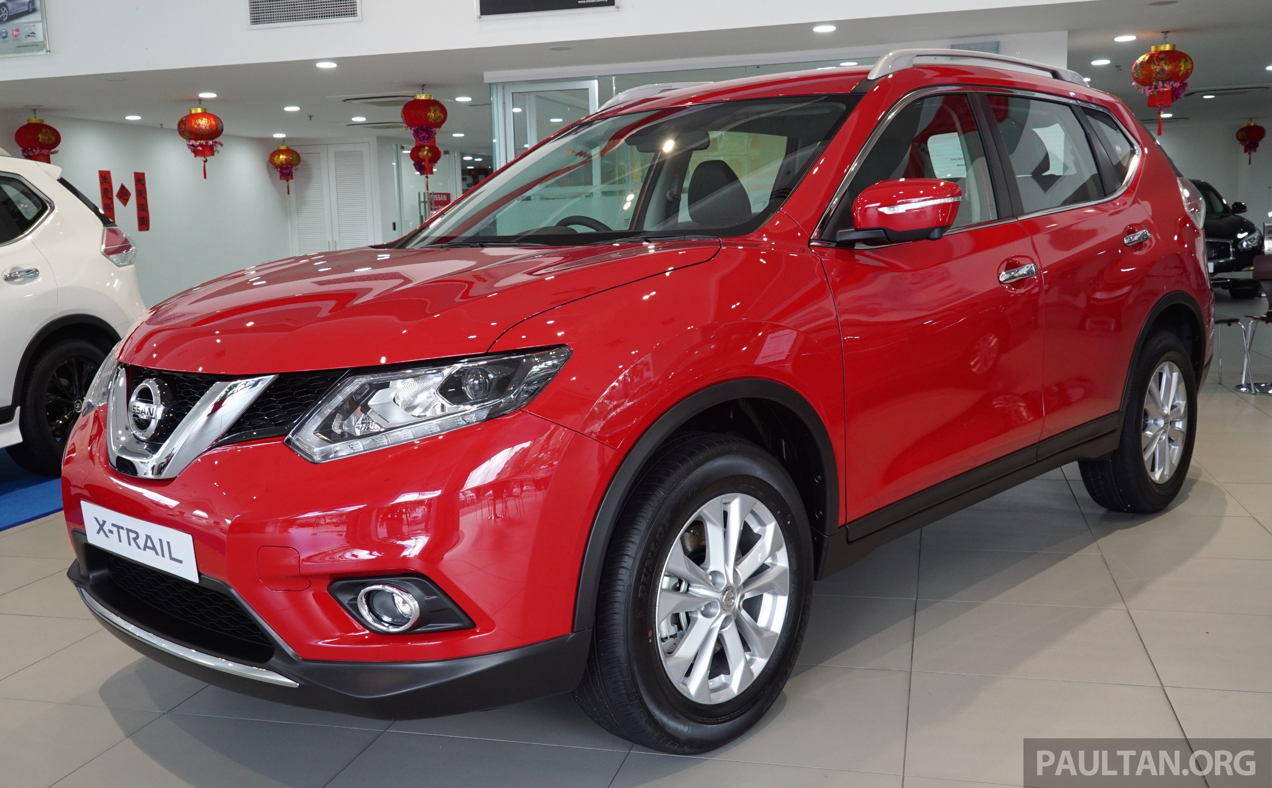 nissan x trail now available in flaming red for cny. Black Bedroom Furniture Sets. Home Design Ideas