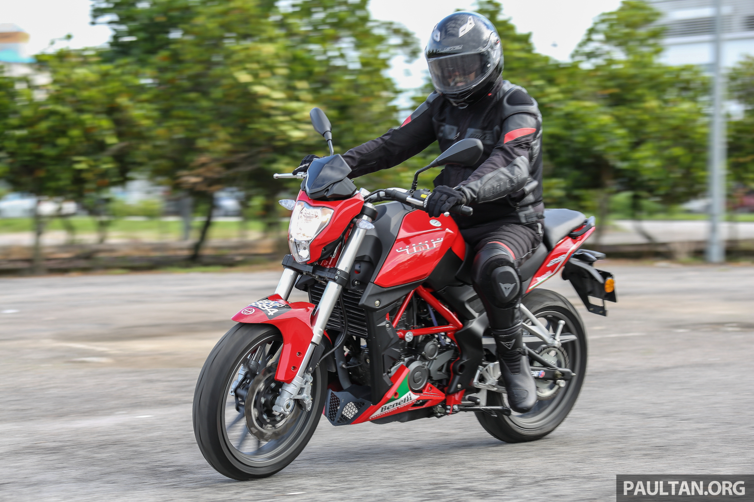 Review Benelli Tnt25 Low Cost Stylish City Riding