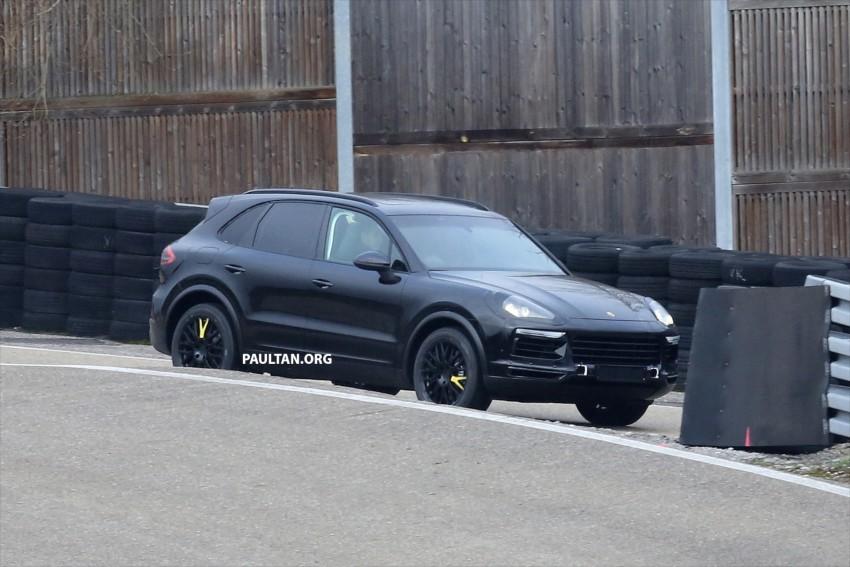 SPYSHOTS: Next-gen Porsche Cayenne out testing Image #437664