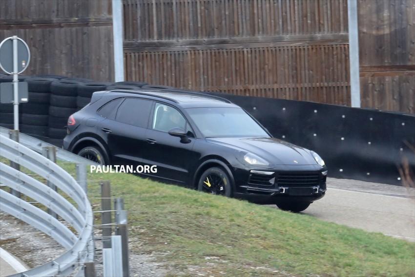 SPYSHOTS: Next-gen Porsche Cayenne out testing Image #437666