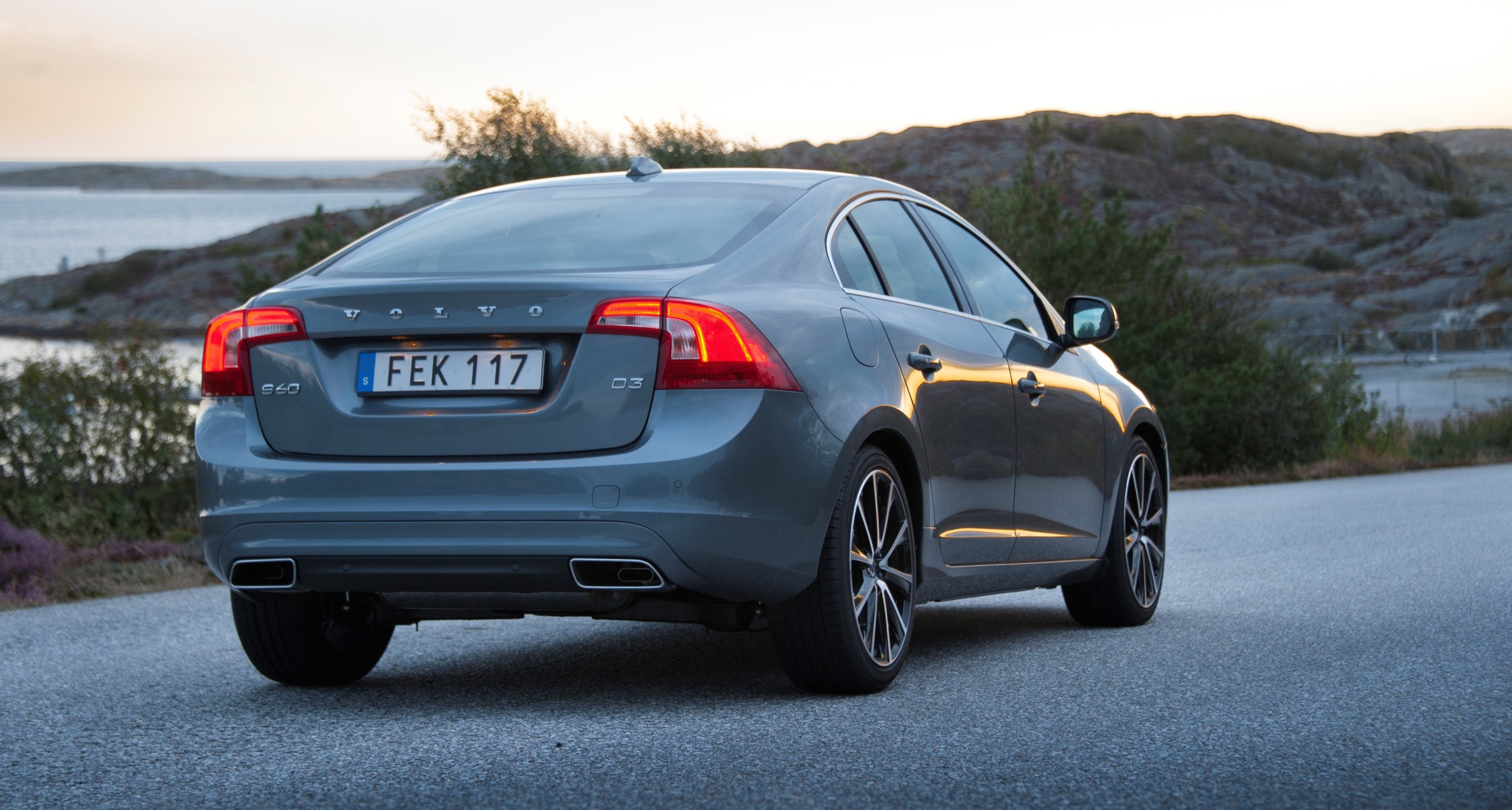 Volvo Announces Updates For Model Year 2017 New Safety