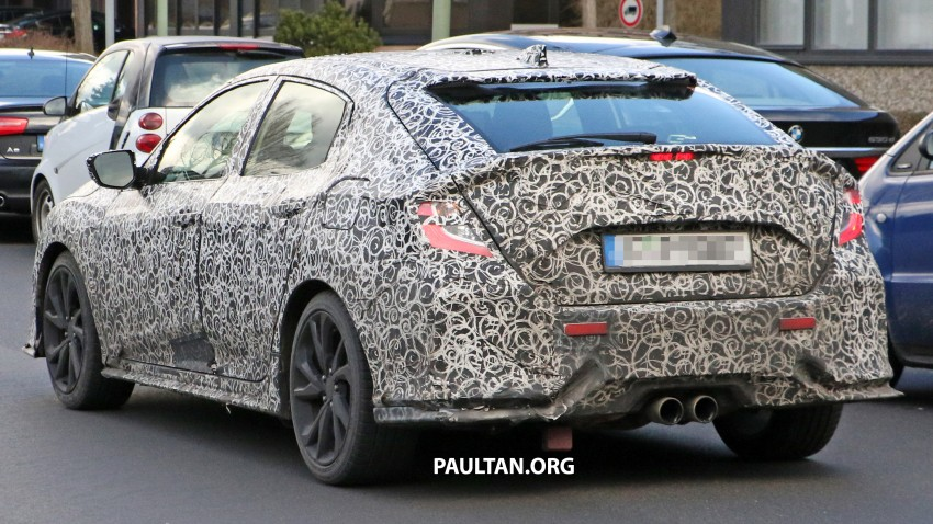 SPIED: 2017 Honda Civic hatchback makes the rounds Image #449686