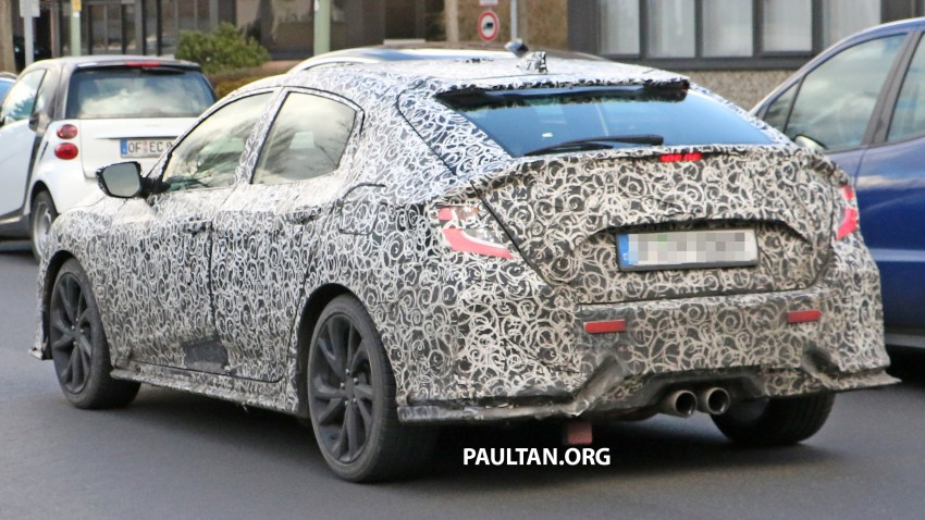SPIED: 2017 Honda Civic hatchback makes the rounds Image #449685