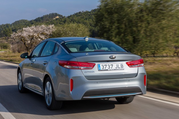 Kia Optima Plug-in Hybrid - Exterior 12