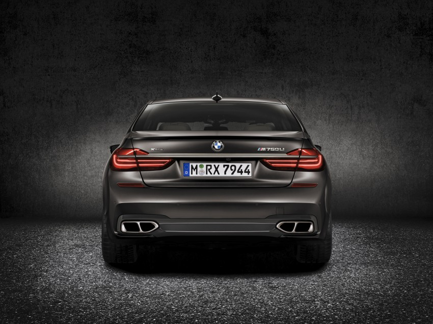BMW M760Li xDrive – 600 hp, 800 Nm twin-turbo V12! Image #440220