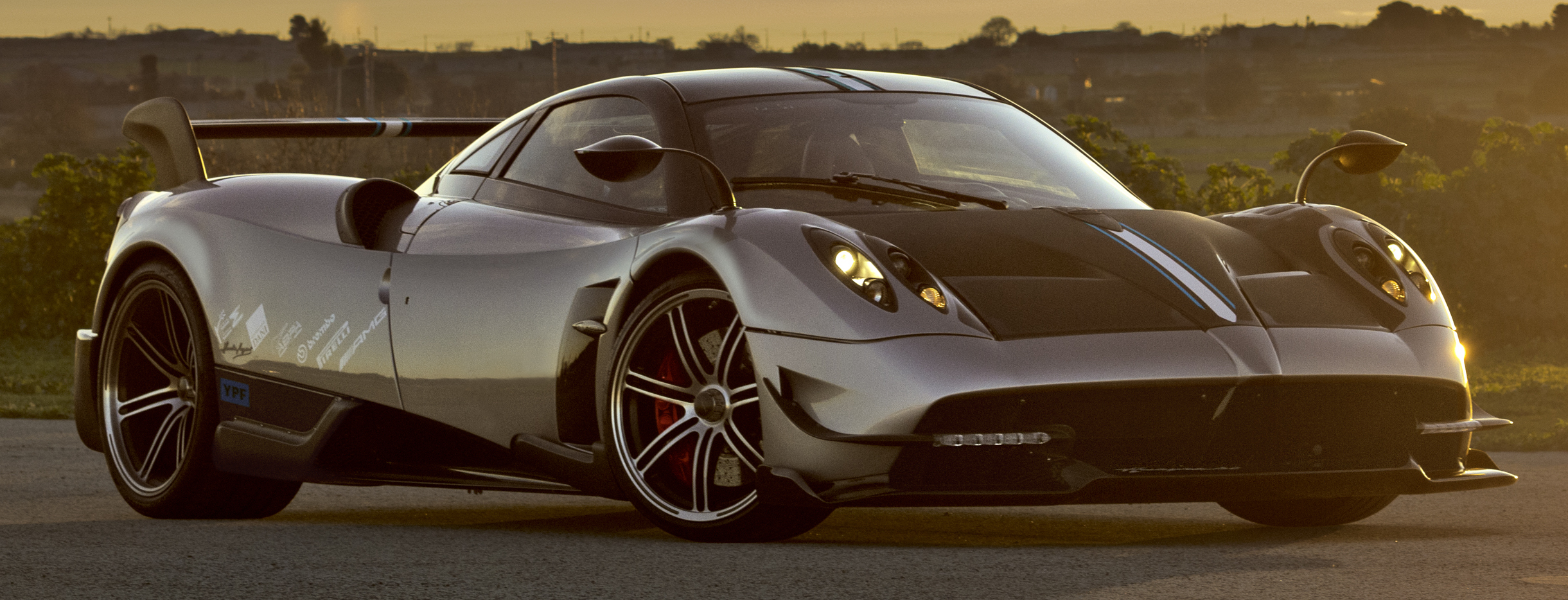 pagani huayra bc 750 hp road going hypercar. Black Bedroom Furniture Sets. Home Design Ideas