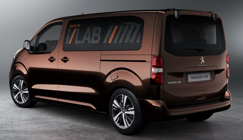 Peugeot Traveller i-Lab is a technology-filled VIP van Image #439931