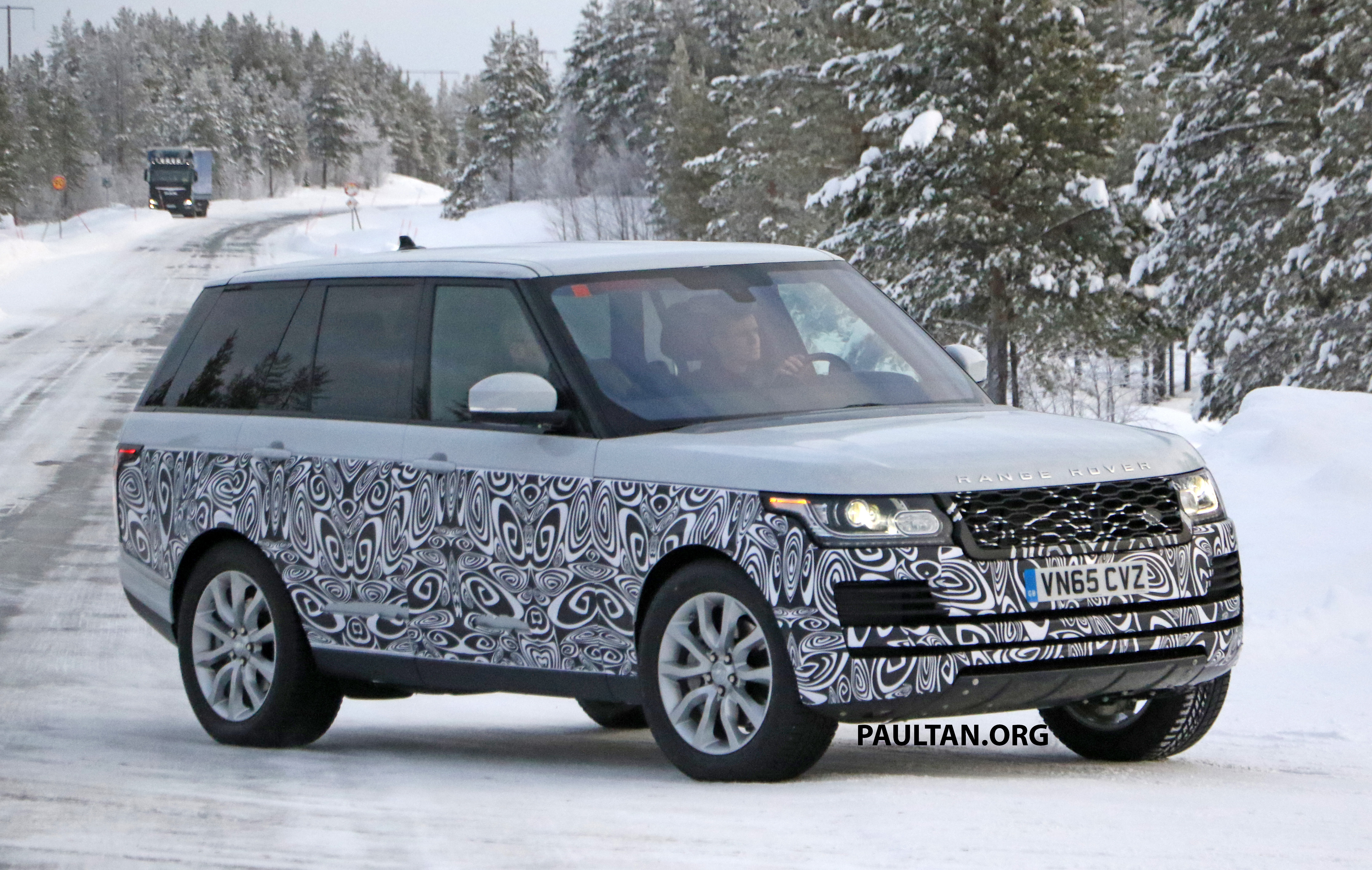 Spied 2017 Range Rover Facelift Spotted In The Snow Paul