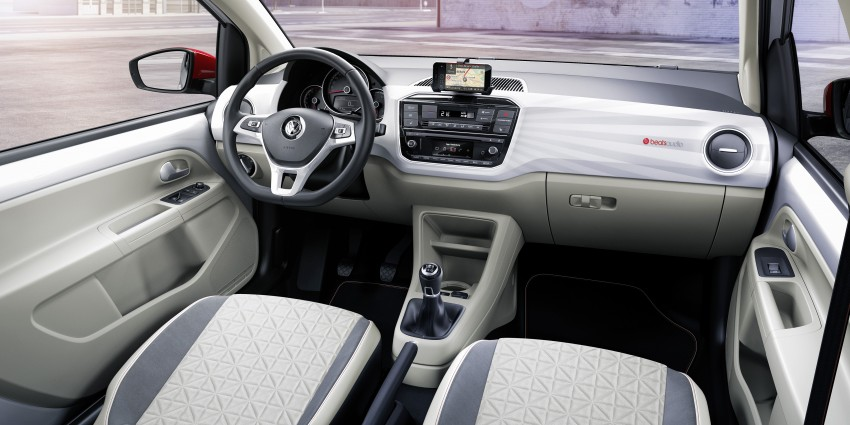 Volkswagen up! facelift unveiled with new 1.0 TSI mill Image #445993