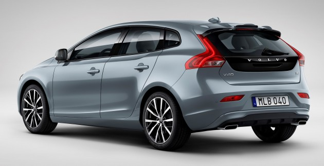 Volvo V40 Cross Country Fl Revealed For Genevarhpaultanorg: Volvo V40 T4 Momentum Location 3 4 Front At Gmaili.net