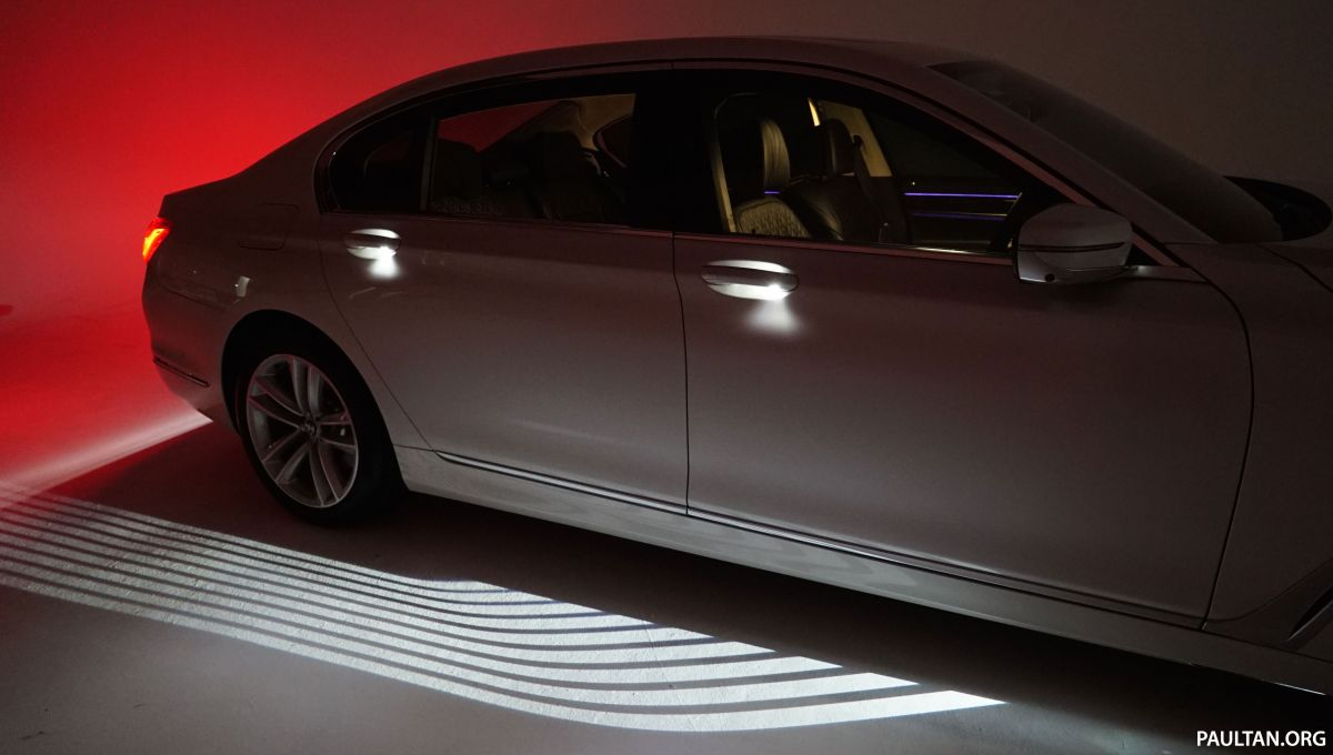 Bmw Welcome Light Carpet How Does It Work Paultan Org