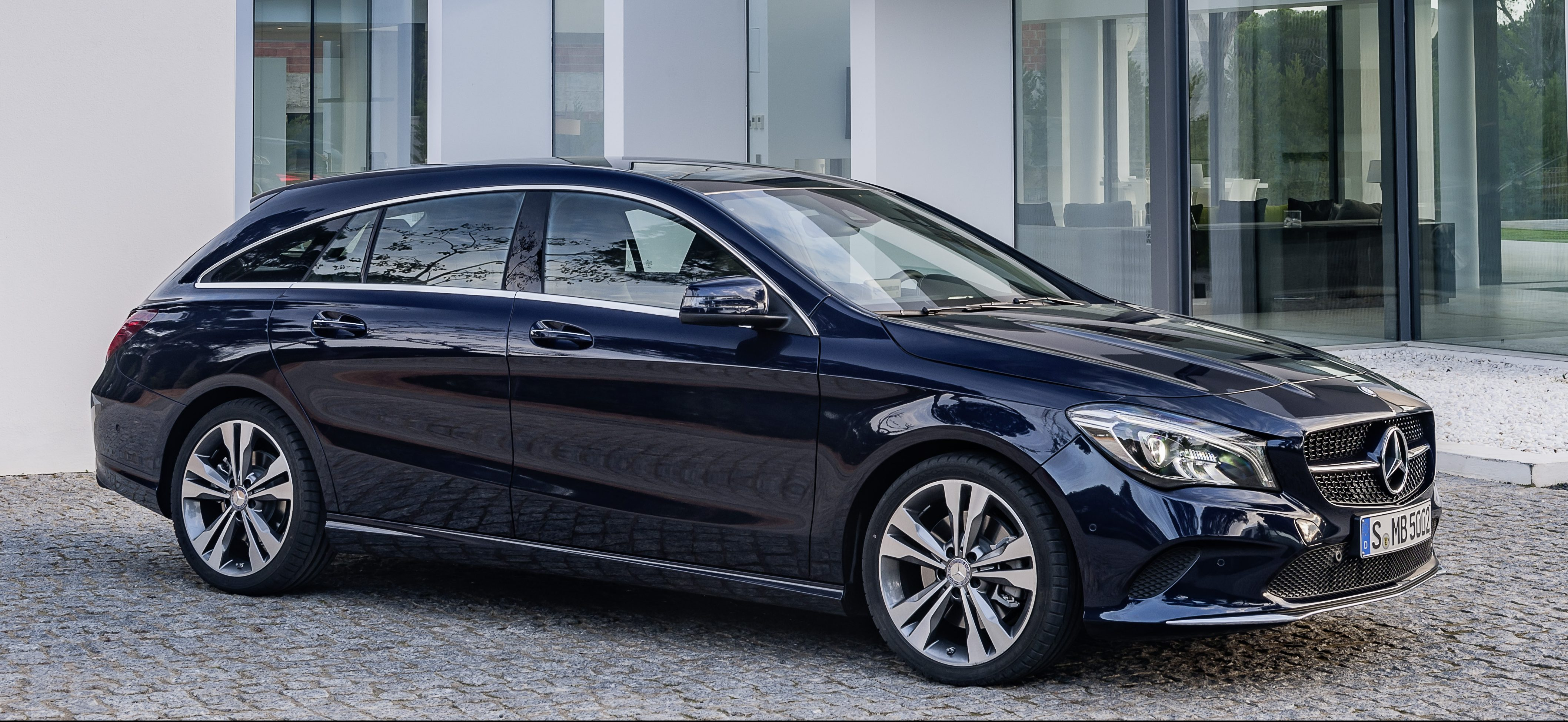 Mercedes benz cla facelift revealed set for ny debut paul for Mercedes benz syracuse ny