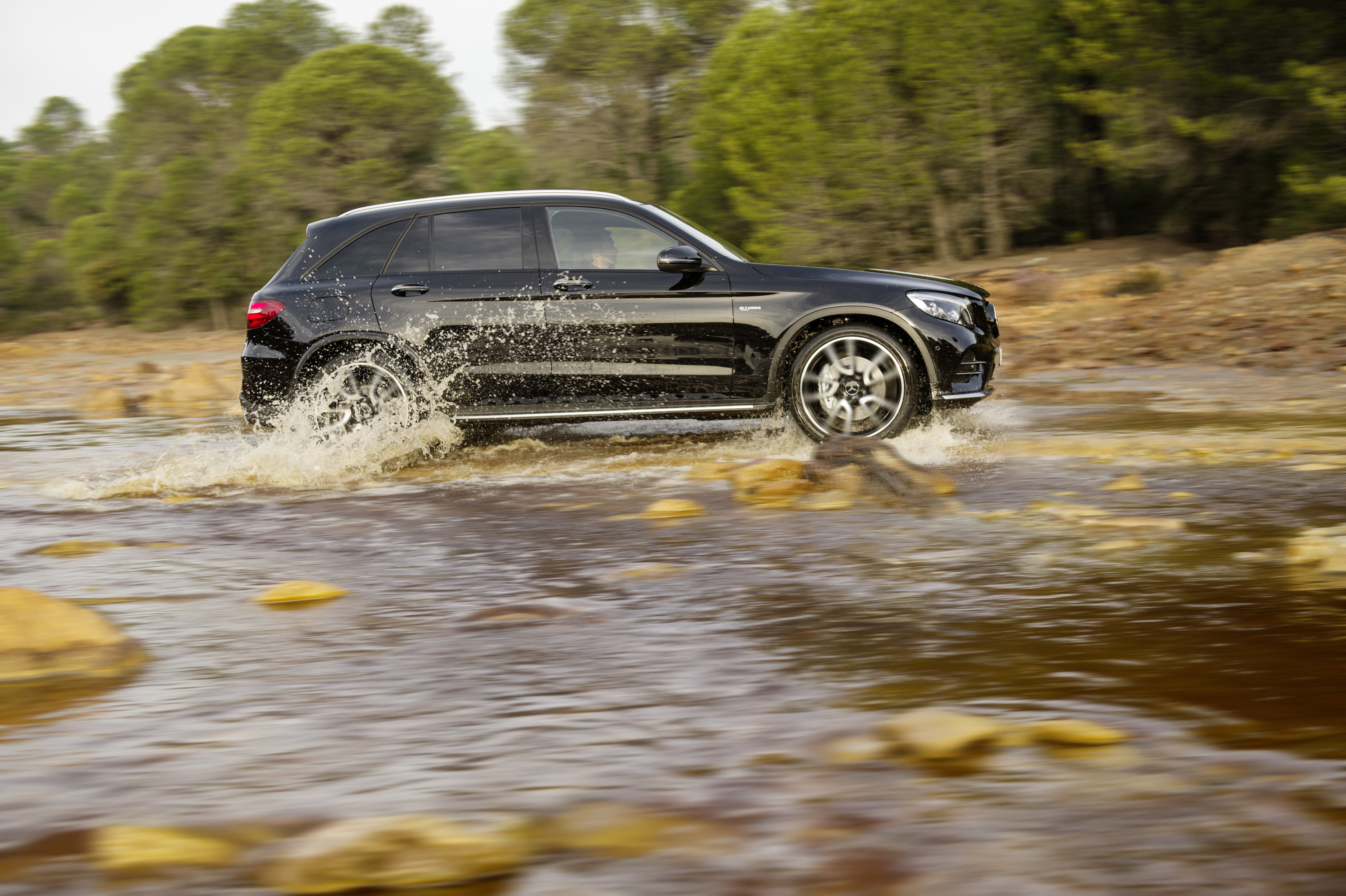 mercedes amg glc43 unveiled ahead of new york image 461681