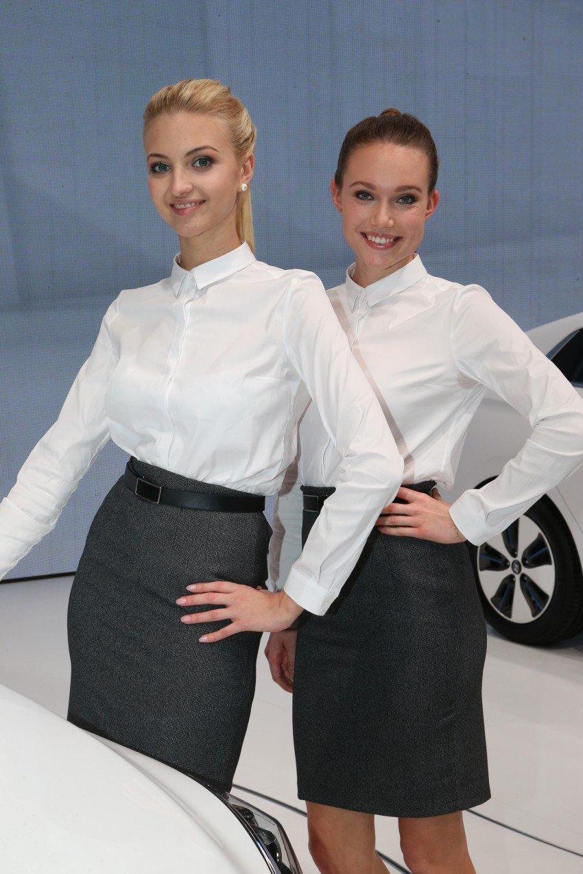 2016 Geneva Motor Show – beautiful cars and girls Image #454497