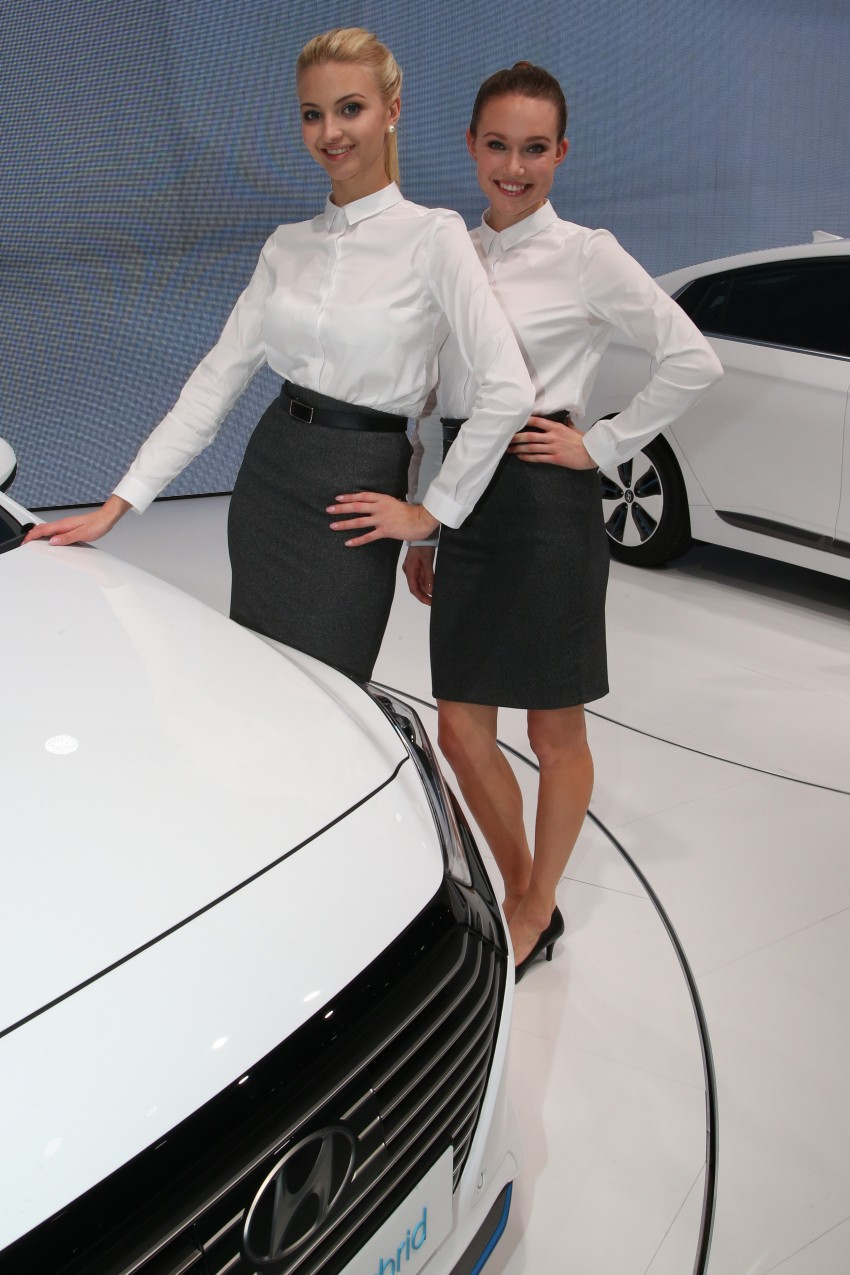 2016 Geneva Motor Show – beautiful cars and girls Image #454499