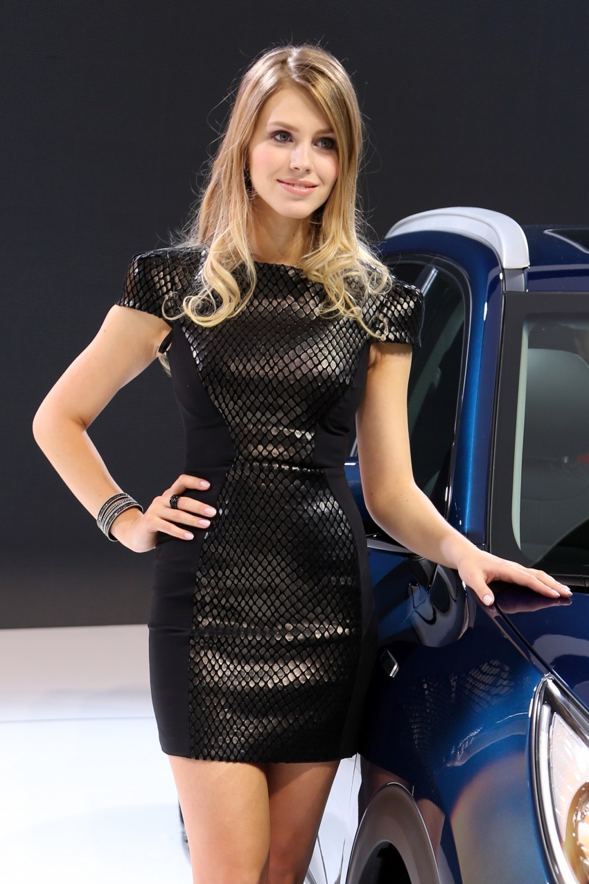 2016 Geneva Motor Show – beautiful cars and girls Image #454481