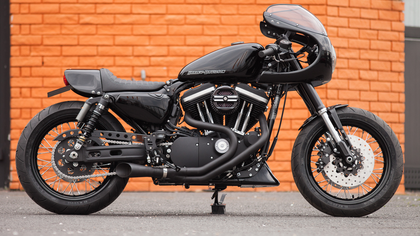 Harley Davidson Dark Custom Iron