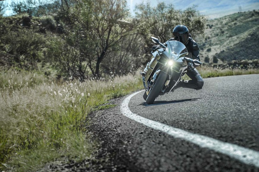 Is a supercharged Kawasaki Ninja R2 coming soon? Image #458636