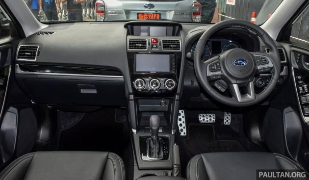 2016 Subaru Forester 2.0i-P 18