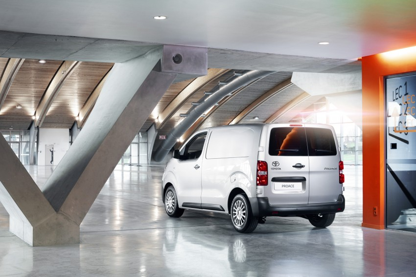 2016 Toyota Proace van makes an official debut Image #469477