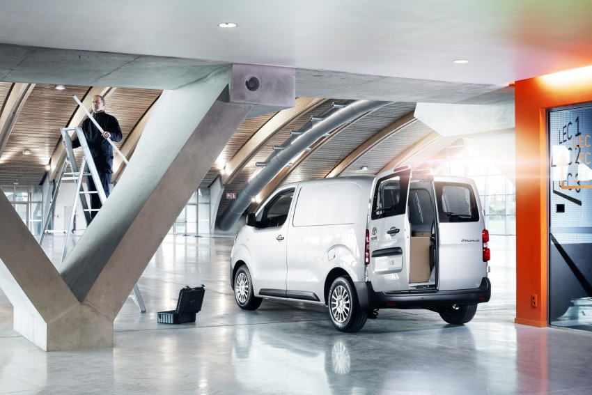 2016 Toyota Proace van makes an official debut Image #469479