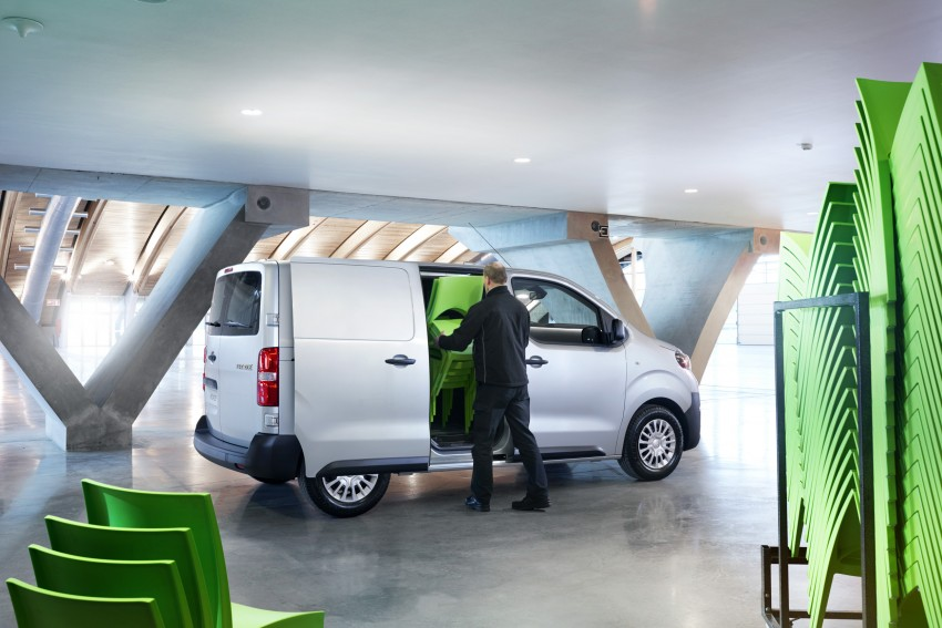 2016 Toyota Proace van makes an official debut Image #469481