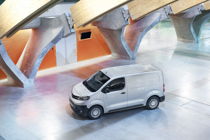 2016 Toyota Proace van makes an official debut Image #469482