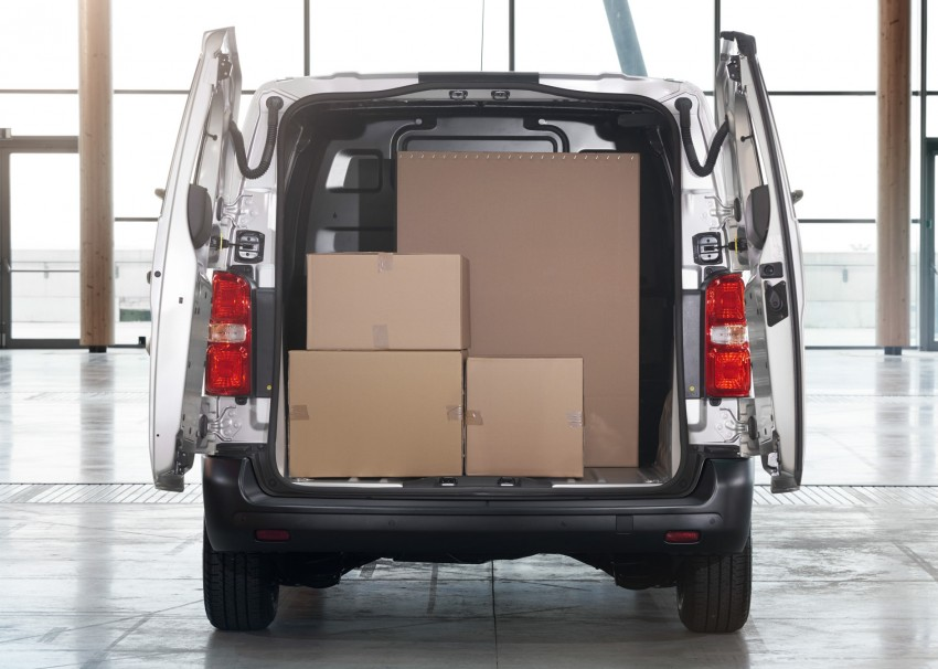 2016 Toyota Proace van makes an official debut Image #469458