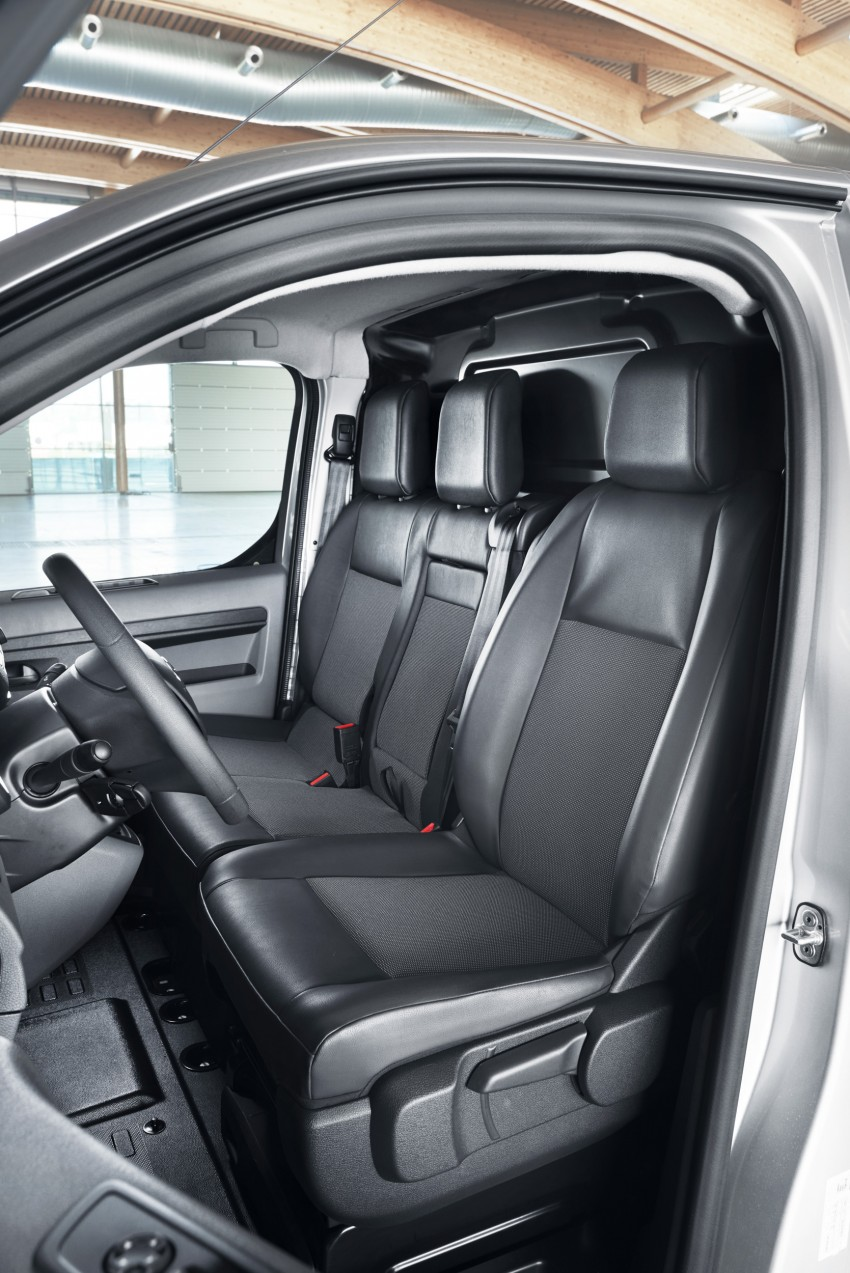 2016 Toyota Proace van makes an official debut Image #469509