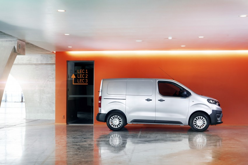 2016 Toyota Proace van makes an official debut Image #469475