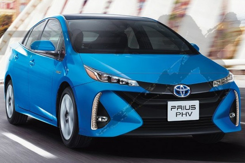 Toyota Prius Plug-in Hybrid rendered ahead of debut Image #465027