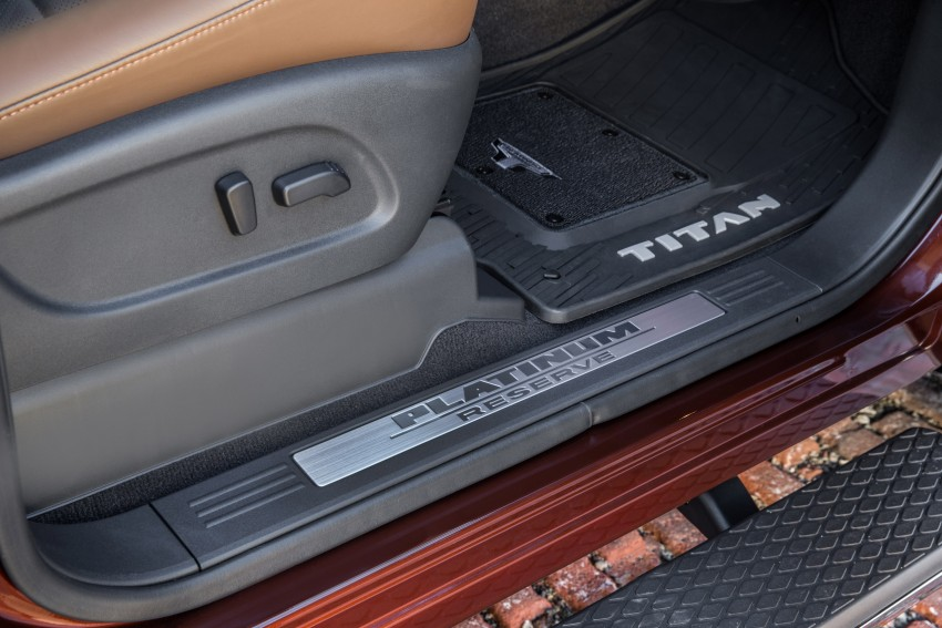 2017 Nissan Titan Crew Cab unveiled at New York; 5.0 litre Endurance V8 now available on larger Titan XD Image #466750