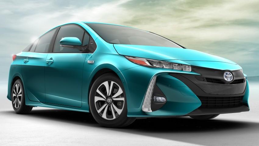 2017 Toyota Prius Prime plug-in hybrid – 1.4 l/100 km! Image #465590