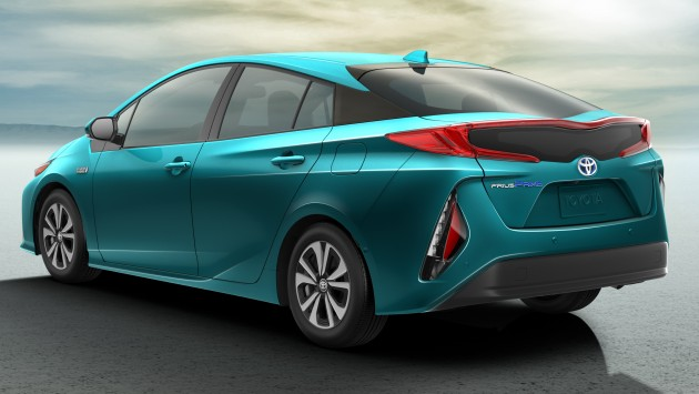 2017 toyota prius prime plug in hybrid 1 4 l 100 km. Black Bedroom Furniture Sets. Home Design Ideas