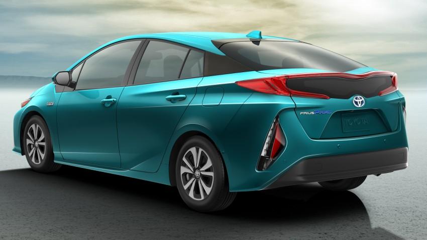 2017 Toyota Prius Prime plug-in hybrid – 1.4 l/100 km! Image #465581